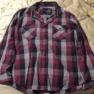 Other - Men's plaid long sleep button up shirt